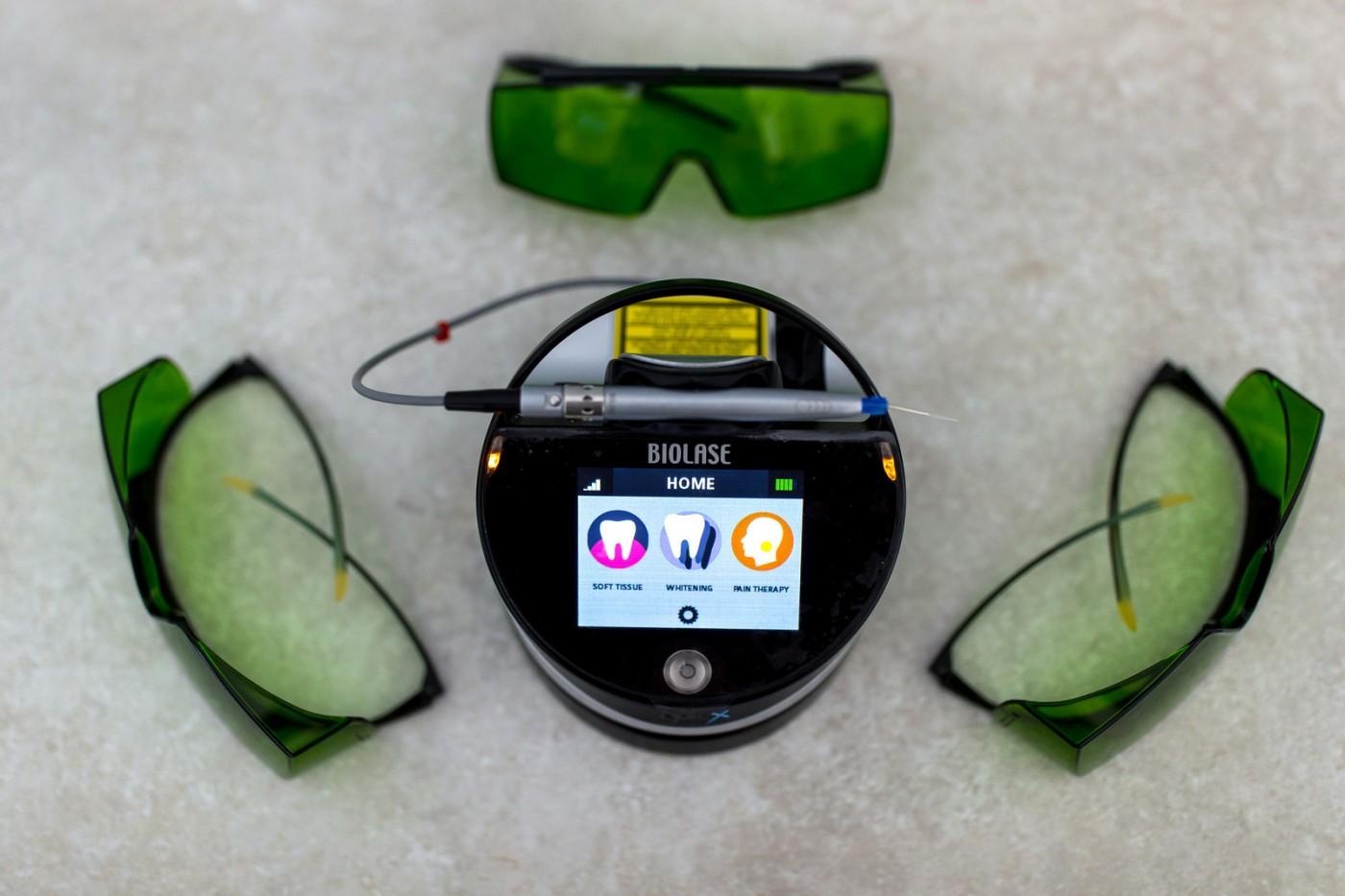 Avantajele laserului, despre albirea dentară cu laser EPIC X BIOLASE